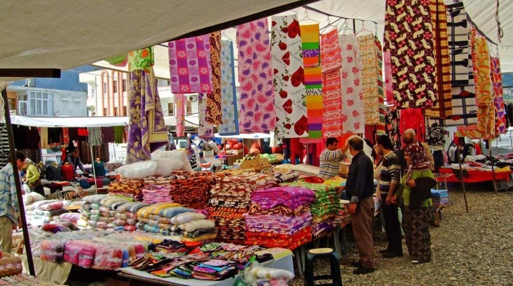 Текстильный рынок в Кемере